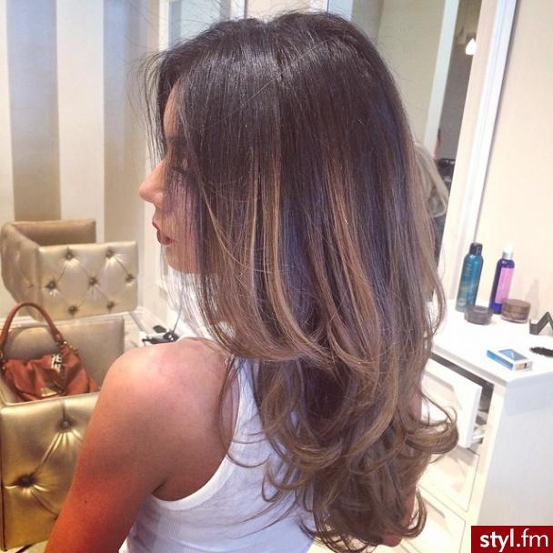 Włosy cieniowane - katalog trendów