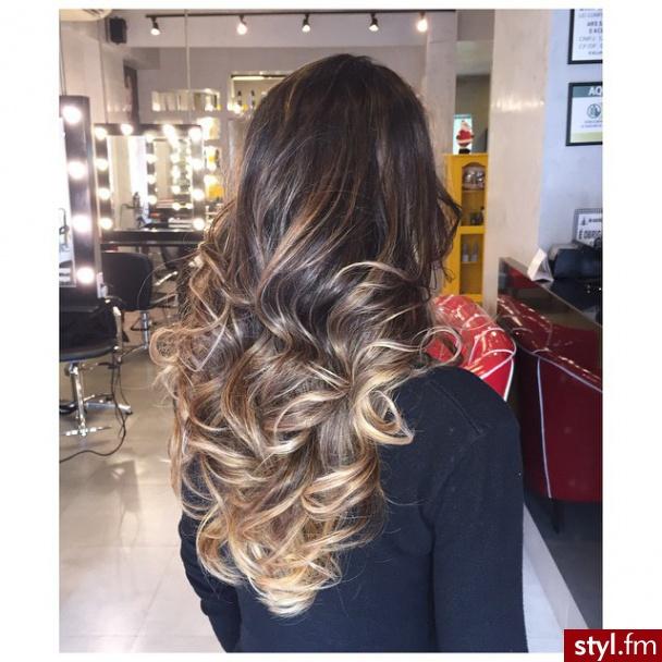 Blond Refleksy Na Ciemnych Włosach Najładniejsze Fryzury Z Waszych