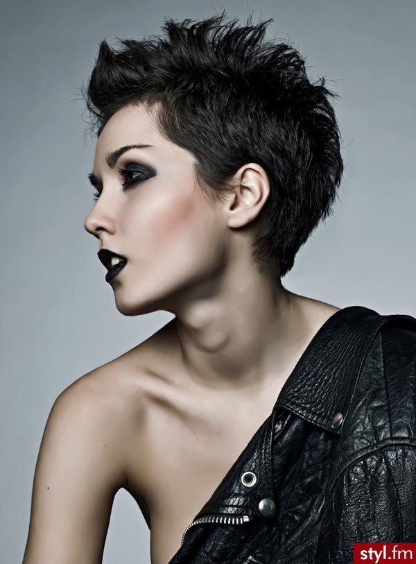 Top 15 Krótkich Fryzur Dla Kobiet O Ciemnych Włosach