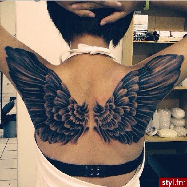 Skrzydlate Tatuaże 24 Niesamowite Wzory Na Wings Tattoo