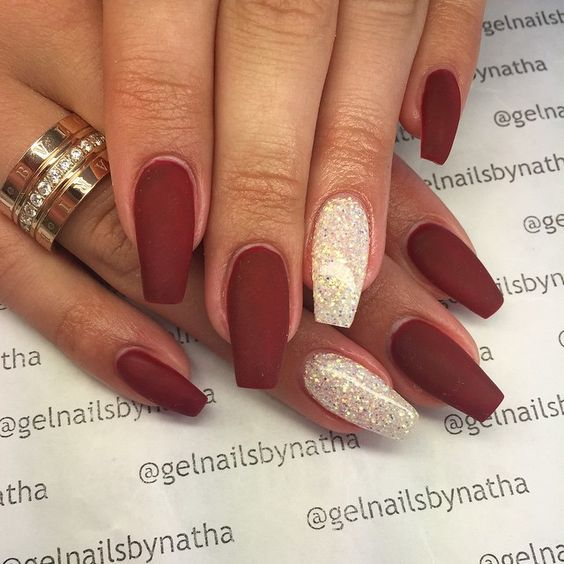 Hot Czerwone Matowe Paznokcie Idealny Manicure Na święta Ze