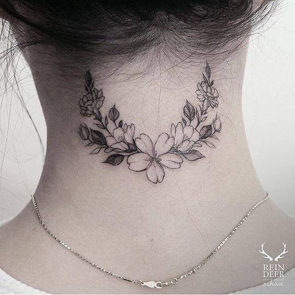 Tatuaż Na Karku Przeglądamy Najpiękniejsze Kobiece Wzory