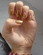 my gold nails <3