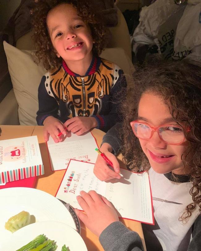Jak one urosły! Ostatnio Moroccan i Monroe pisali listy do świętego Mikołaja