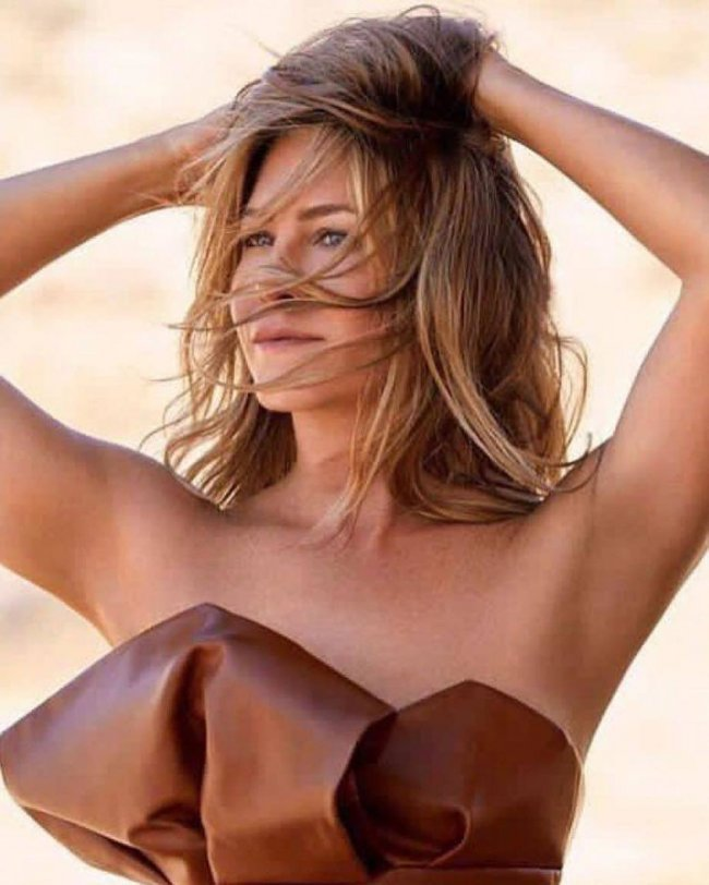 Jennifer Aniston dla Elle