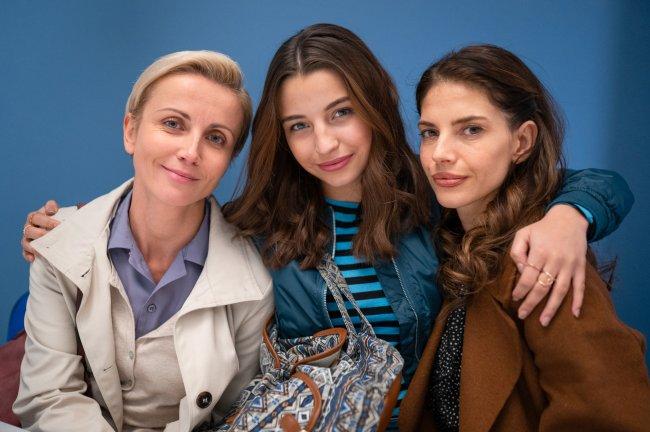 Zawsze warto: Dorota (Katarzyna Zielińska), Marta (Weronika Rosati), Ada (Julia Wieniawa)